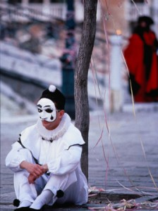gerometta-roberto-character-from-commedia-dell-arte-in-pierrot-mask-venice-italy
